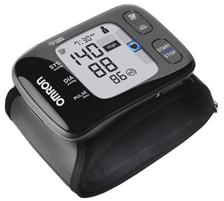 Omron HEM 6232T Wrist Blood Pressure Monitor